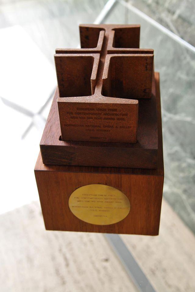 Mies van der Rohe Award_sculpture