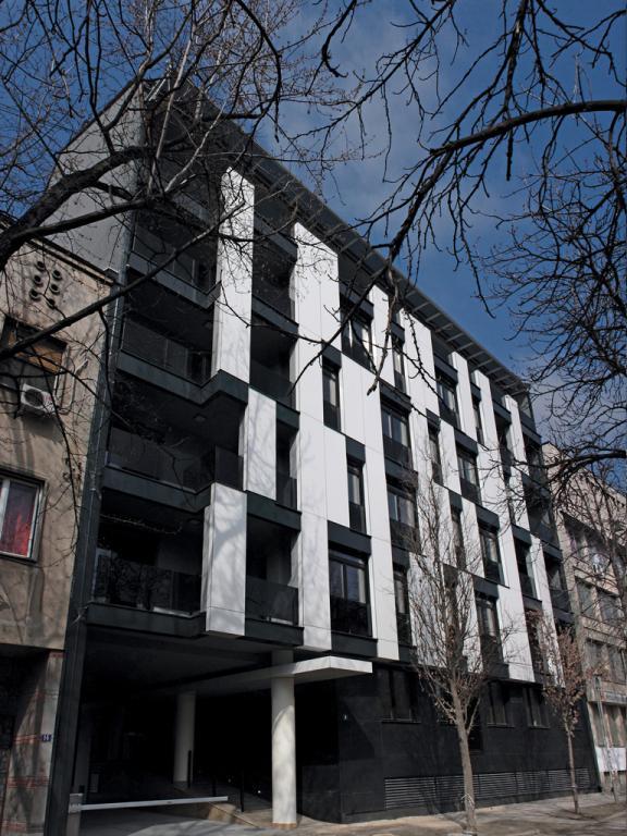 Stambena_zgrada_u_ulici_Vase_Stajica_01