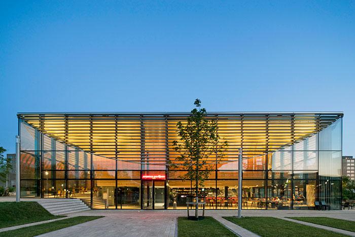 Powerhouse-Company_Erasmus-Paviljoen_North-facade-by-night_01