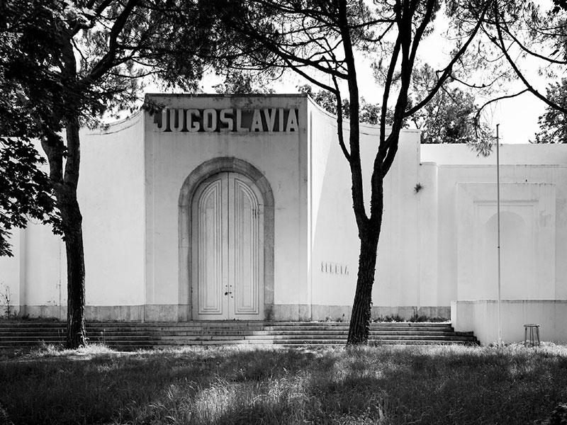 Venezia_Yugoslav-pavilion_Foto-Gabriele-Basilico