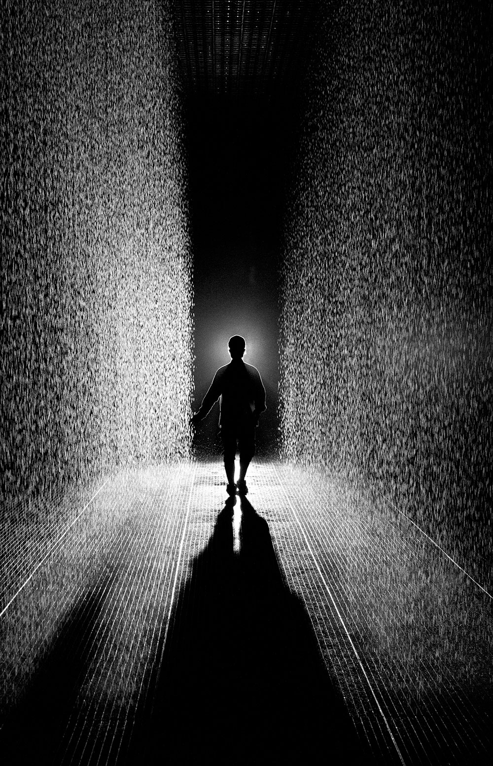 Random-International_Rain-Room_Barbican