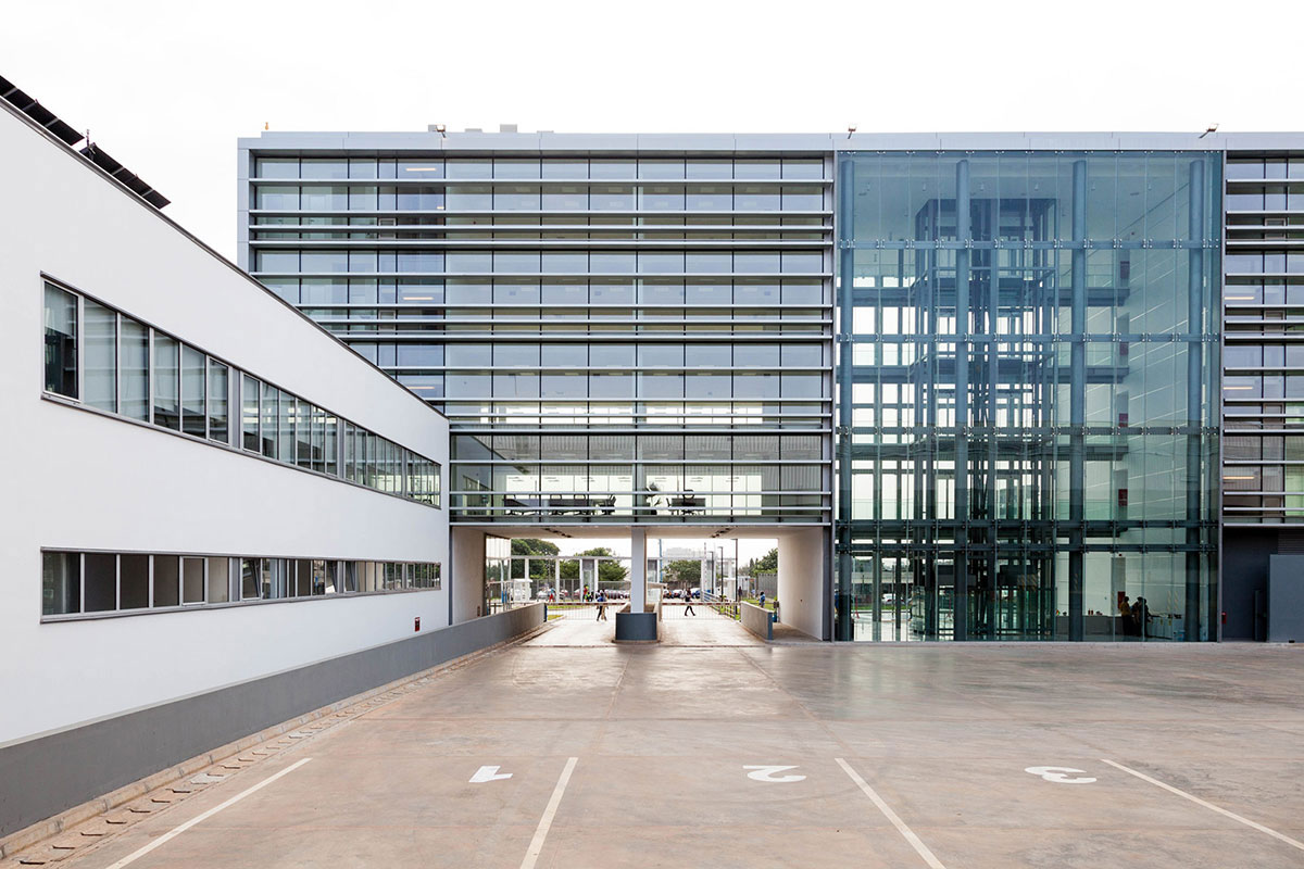 2017_Salon-arhitekture_2-2bb-Nagrada-ARHITEKTURA-GOST-Gana-kargo-centar