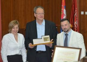 """Признање """"Златна мистрија"""" проф. др Ненаду Шекуларцу за пројекат у Хиландару"""