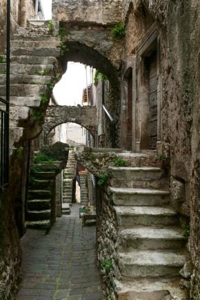 Летња школа – Абруцо, Италија: Међународно друштво за археологију, уметност и архитектуру Рима